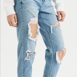 American Eagle destroyed mom jean 14 long